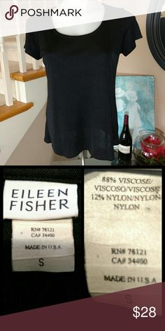 """2 hour sale * Eileen Fisher Measurements approximate, taken laying flat and unstretched.  Bust (armpit to armpit): 36""""  Length (shoulder to hem): 22""""  CONDITION: EXCELLENT Eileen Fisher Tops"""