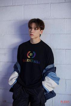 seventeen An Ode behind vernon バーノン Woozi, Wonwoo, Jeonghan, Seungkwan, Monsta X, Vernon Seventeen, Seventeen Debut, Hip Hop, Pretty People