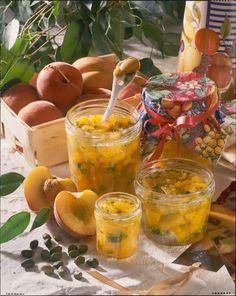 Unser beliebtes Rezept für Pfirsich-Marmelade mit Pistazien und mehr als 55.000 weitere kostenlose Rezepte auf LECKER.de.