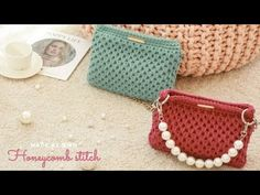 Diy Clothes Life Hacks, Honeycomb Stitch, Crochet Bag Tutorials, Pouch, Wallet, Coin Purse, Crocheted Bags, Hats, Crocheting