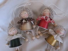 Visita l'articolo per saperne di più. Kids Crafts, K Cup Crafts, Christmas Crafts For Kids To Make, All Things Christmas, Diy And Crafts, Xmas Decorations, Merry Xmas, Christmas Ornaments, Holiday Decor