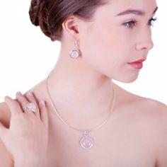10 ajándéktipp azoknak, akiknek sosem tudunk mit venni Pearl Necklace, Pearls, Jewelry, Fashion, String Of Pearls, Moda, Jewlery, Jewerly, Fashion Styles