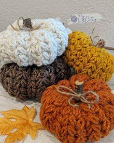 Crochet Fall Decor, Crochet Cozy, Crochet Crafts, Yarn Crafts, Crochet Projects, Autumn Crochet, Crochet Pumpkin Pattern, Halloween Crochet Patterns, Pumpkin Patterns