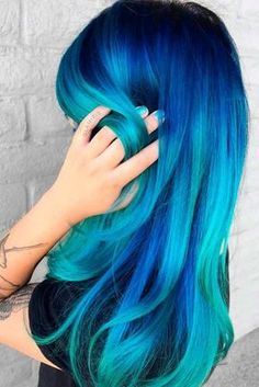 Blue ombre hair is like the ocean, with its beautiful hues intertwining in ways determined by the always-changing current. Shades of blue are magical and so unusual that when a woman chooses blues for…More Best Ombre Hair, Blond Ombre, Brown Ombre Hair, Short Ombre, Hair Dye Colors, Ombre Hair Color, Cool Hair Color, Pelo Color Azul, Ocean Hair