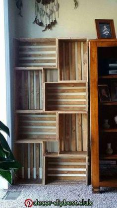 26 Ideen für ein Bücherregal, um Raum zu gestalten und Ihr Buch zu organisiere | Diy bookshelf design, Bookshelf design, Diy home decor   26 Ideen für ein Bücherregal, um Raum zu gestalten und Ihr Buch zu organisiere | Diy bookshelf design, Bookshelf design, Diy home decor Diy Bookshelf Design, Crate Bookshelf, Wood Bookshelves, Bookshelf Ideas, Vintage Bookshelf, Crates On Wall, Bookshelves For Small Spaces, Bookshelves In Bedroom, Apartment Bookshelves
