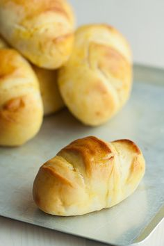 Pan de leche by Desirée D., via Flickr Recipes With Yeast, Bread Recipes, Pan Dulce, Pan Bread, Bread Rolls, Sin Gluten, Pain, Delicious Desserts, Delish