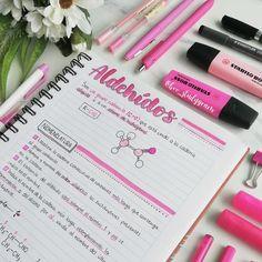 A imagem pode conter: 1 pessoa Apuntes Bonitos ✍️ Bullet Journal Notes, Bullet Journal School, Bullet Journal Ideas Pages, Pretty Notes, Cute Notes, Good Notes, Class Notes, School Notes, Studyblr Notes
