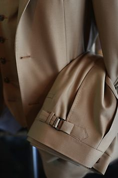 Beige three piece suit ready for pick up. Fabric by Holland & Sherry. On the 24-25 September we will be in Hong Kong again for another trunk show. Hosted at Landmark together with E.Marinella. This...