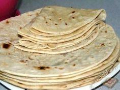 Армянский лаваш приготовить в домашних условиях, наверное, проще занятия не придумаешь. Для его приготовления нам не понадобиться не дрожжи, ни какие бы то не было другие особенные ингредиенты. Все п…