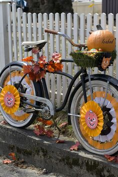 Halloween by bike on pinterest racing halloween for Bike decorating ideas