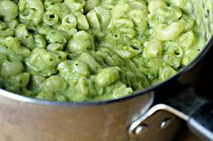 Avocado Mac and Cheese (WHATWHATWHATWHATWHAT?? my head just spun around like archimedes the owl in the sword and the stone)