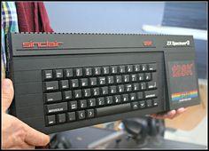 """On instagram by retromaniacs.es #amstrad #microhobbit (o) http://ift.tt/2dbugYG joyas en retromaniacs 3. En retromaniacs disponemos en nuestra colección de un ZX Spectrum 128 3 del año 1988 con unidad de disco de 3"""". Incorporaba en 64Kb de ROM un sistema de disco el 3DOS. Además incluía una mejora del Sinclair BASIC el 3BASIC. #zxspectrum #spectrum3 #sinclair  #8bit #16bit #128k #floppydisk #retrogamer #gamecollector #retrogaming #gamestagram #oldvideogames #retrocollective #gamecollection…"""