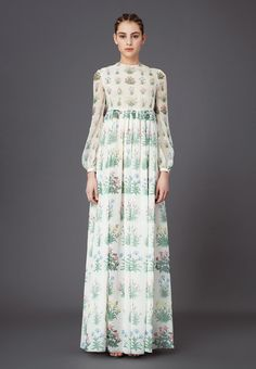 Valentino - Fall 2015 Woman - Look 35 of 225 Gypsy Dresses, Nice Dresses, Dress With Cardigan, Dress Up, Beautiful Gowns, Beautiful Outfits, Style Bobo Chic, Modest Fashion, Fashion Outfits