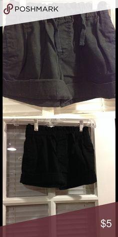 Size 8 Gymboree shorts good condition Size 8 Gymboree shorts good condition Gymboree Bottoms Shorts