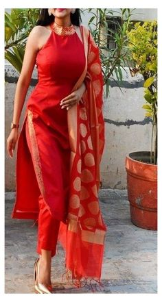 Stylish Kurtis Design, Stylish Dress Designs, Stylish Dresses, Stylish Blouse Design, Indian Fashion Dresses, Indian Gowns Dresses, Dress Indian Style, Indian Dresses For Women, Pakistani Dresses