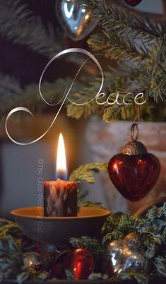 Heart at Christmas. Christmas Candles, Christmas Love, Country Christmas, Christmas Colors, Christmas And New Year, Winter Christmas, Vintage Christmas, Christmas Decorations, Christmas Ornaments