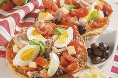 Friselle con uova sode, tonno e olive