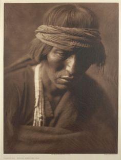 Hastobíga, Navaho Medicine-man Edward S. Curtis