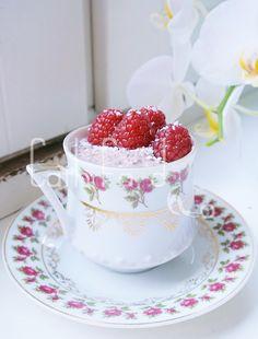 Raspberry chia pudding | Cathfood.com ♡
