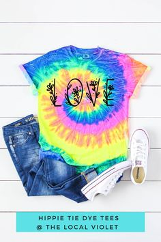 Spread the love with this cute hippie graphic tee! Hippie T Shirts, Hippie Tops, Hippie Style, Festival Shirts, Festival Outfits, Cute Tie Dye Shirts, Hippie Fashion, Beach Shirts, Hippie Outfits