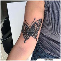 Tatuaggio farfalla - Butterfly tattoo #tat #tats #tattoo #tattooed #ink #inked #butterfly #butterflytattoo #naturetattoo #animaltattoo #fly #tattooideas Nature Tattoos, Blackwork, Wood Art, Tatting, Butterfly, Ink, Art Prints, Art, Wooden Art