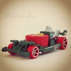 """Hot Tub - 2014 Hot Wheels """"Holiday Hot Rods"""" #hotwheels   #diecast   #toys   #Christmas"""