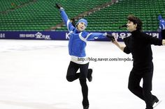 L Stephane Lambiel, Dorothy Hamill, Access Hollywood, Johnny Weir, Bad Image, Poker Face, Winter Games, Weekend Is Over, Figure Skating