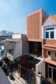 Wasp House by Tropical Space / Ho Chi Minh City, Vietnam