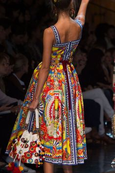 Dolce & Gabbana at Milan Fashion Week Spring 2016 - Details Runway Photos Couture Fashion, Runway Fashion, Boho Fashion, Fashion Dresses, Fashion Design, Elegante Jumpsuits, Moda Afro, Casual Dresses, Summer Dresses