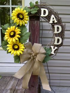 Diy Grave Decorations For Dad - My Friend Made For Her Dads Gravesite He Is Smiling For Sure Memorial For Special Dad Wooden Heart Shaped Grave Stick Stake Memorialday Gravemarkers H. Grave Flowers, Cemetery Flowers, Funeral Flowers, Cemetary Decorations, Memorial Day Decorations, Memorial Ornaments, Memorial Ideas, Flores Memorial, Memorial Flowers