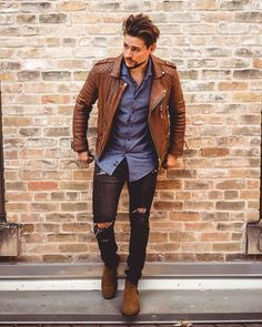 Fashionable Valentines Day Date Outfits Ideas For Him - World Fashion Week First Date Outfit Casual, First Date Outfits, Tan Leather Jackets, Leather Jacket Outfits, Mens Style Guide, Men Style Tips, Winter Outfits Men, Fall Outfits, Men's Outfits
