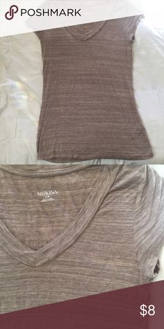 "Brown Basic Tshirt This shirt is so soft! My favorite thing about it was the perfect length. It's longer than most ""basic tshirts"" sold at Target. This shirt is perfect for any casual outfit! Like new condition. Merona Tops Tees - Short Sleeve"