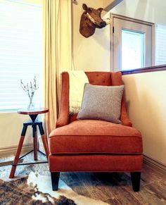 This armless chair is channeling earthy style.