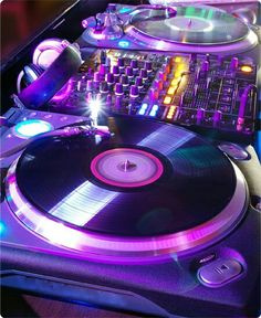 the Dj Booth Check out www. Home Music, Dj Music, Dance Music, Music Is Life, Ps Wallpaper, Dj Setup, Dj Gear, You'll Never Walk Alone, Dj Booth