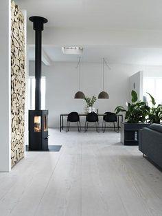 De mooiste kachels voor in je interieur! Je leest het op http://www.stijlhabitat.nl/zo-blijft-het-wel-warm-in-huis/ Fireplace, interior, Scandic, Nordic