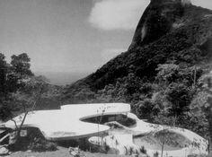 Oscar Niemeyer: House at Cancas