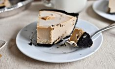 No-Bake Peanut Butter Pie. Need to try this with Biscoff spread.