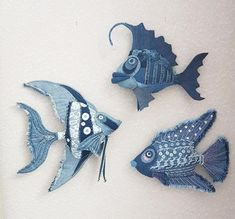 Fabric Fish, Fabric Art, Fabric Crafts, Sewing Toys, Sewing Crafts, Sewing Projects, Jean Crafts, Denim Crafts, Handmade Bags