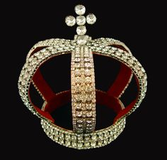 878596f4f0e84f The Nuptial crown of the Romanov's was probably made by Nichols &  Plinkle in 1844