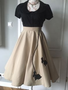 SHE IS ME -Skirt with rabbits