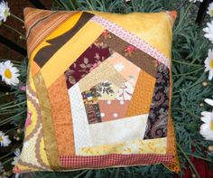 Kirschkernkissen crazy Quilts, Blanket, Bed, Stream Bed, Quilt Sets, Blankets, Log Cabin Quilts, Beds, Cover