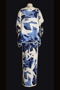 Saint Laurent. Scandal Collection 1971. Robe mariée. Greek pattern.