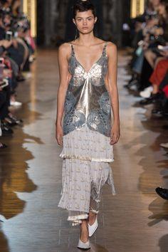 Stella McCartney Fall 2016 Ready-to-Wear Collection Photos - Vogue   #StellaMcCartney  #fashion   #Koshchenets