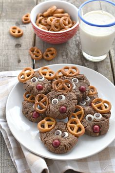 These adorable Chocolate Peanut Butter Reindeer Cookies are a fun gluten free and vegan way to celebrate the holidays. Easy to make & more exciting to eat!