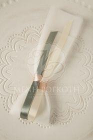 Μένη Ρογκότη - Μπομπονιέρα γάμου υφασμάτινο λουλούδι λευκό Icing, Iphone, Wedding, Christening, Casamento, Weddings, Marriage, Mariage