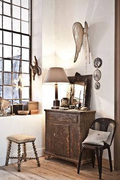 such gorgeous vintage decorating