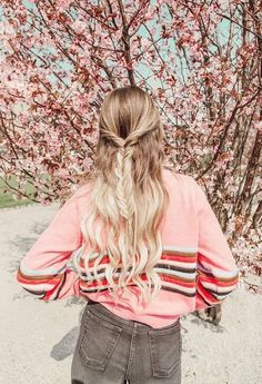 Copenhagen Travel Guide, By Sheridan Gregory. 2018 Pink sweater vintage style with long hair with braids. Fall Fashion Outfits, Love Fashion, Vintage Fashion, Vintage Style, Womens Fashion, Fashion Tips, Spring Hairstyles, Pretty Hairstyles, Travel Hairstyles