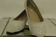 Wedding lace flats (for dancing?) - MADERIA Collection - White Embroidered Nylon Vintage Lace - US Size 7 - 7 1/2B