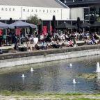 Maastricht   Als je over de nieuwe brug (de Hoge brug) over de Maas loopt richting de hippe wijk Wyck, dan kom je uit bij kindvriendelijk restaurantCafé Zuid.