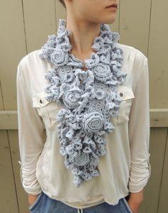 Sciarpa all'uncinetto sciarpa RoseOnie, grigio argento. Rosa pizzo, medio & lungo lunghezze disponibile, Merino lana, sciarpa rosa avorio, s...